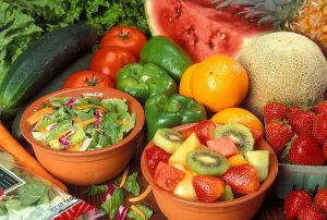 800px-Fresh_cut_fruits_and_vegetables