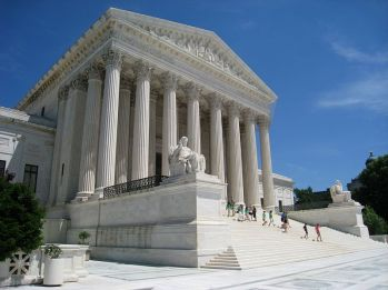 800px-Oblique_facade_1,_US_Supreme_Court